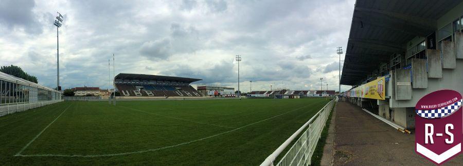 Stade Moga vide (2)