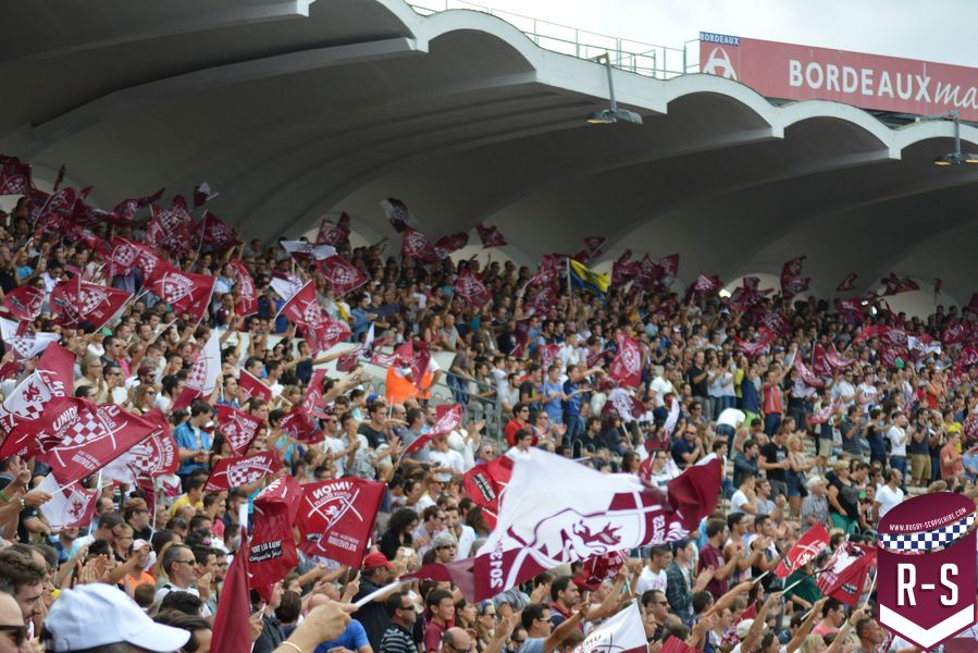 supporters, public, drapeaux